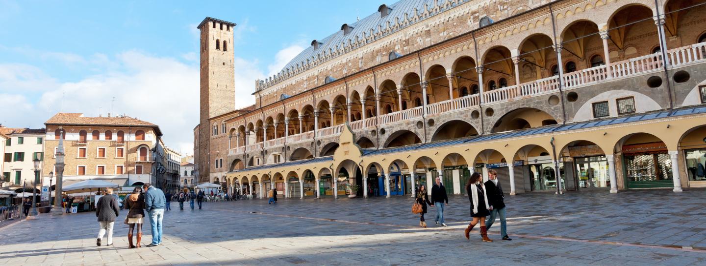 Palazzo_della_ragione_1